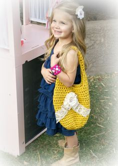 Little Girls Purse on Paisley -  might be the cutest little girl in the world. :)