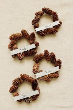 DIY Mini Pinecone Wreath Placeholders