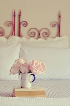 #pink #white #bedding #flowers #bedroom #home #decor #ideas