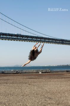 Dancer - Nicole Ciapponi. Location - San Francisco, California. © 2011 Oliver Endahl www.balletzaida.com