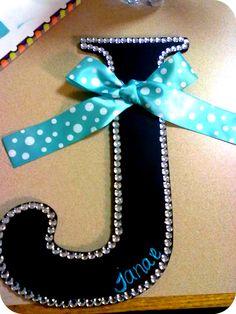 door decs, gift, initials, craft idea, dorm rooms