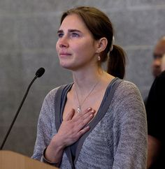 Amanda Knox's acquittal overturned by Italian court,   she will be retried for murder