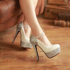 Wedding shoes with bling! ||  Via Dresswe ||  #wedding #shoes