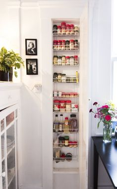 A nice way to organize spices. Lord knows I could use this - I have more spices than space to put them all!
