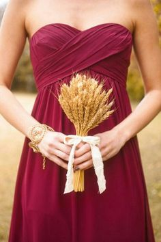 Fall Wedding Finds | Fall Bridesmaids Bouquets | Wheat Bouquet | Cranberry Bridesmaid Dress | Fall Wedding Inspiration