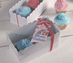 All good things come in twos! Even cupcakes! Boxes for two cupcakes: http://selfpackaging.com/3000-cute-cupcakes-gift-box-80.html?size=2 // #cupcakes #baking #cakes #homemade #cupcakepackaging