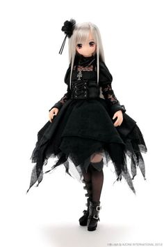 #Gothic Lolita Doll from Axone at Tomopop