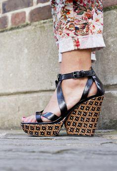Marc by Marc Jacobs Aztec Woven Sandal, via Modehunter
