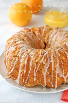 Orange Dream Monkey Bread | www.wineandlgue.com | The delicious taste of an orange dreamsicle in monkey bread form!