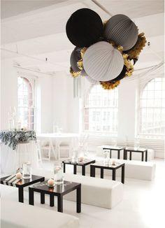 black white gold wedding decor