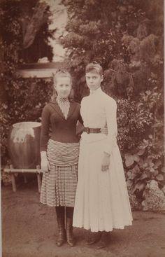 Grand Duchess Xenia Alexandrovna with her cousin, Princess Marie of Greece, later Grand duchess Maria Georgievna.