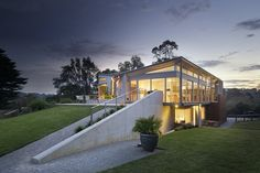 Rest House by Tim Spicer and Col Bandy Architects