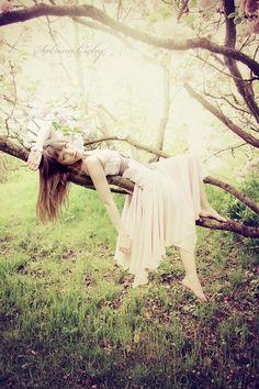 senior pictures tree, art senior pictures, dance pictures, beautiful senior photos, senior picture tree, branch, beauti peopl, fairi, photographic poses