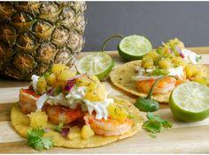 Tacos de Camarón con Piña y Salsa de Jalapeño