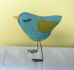 felt bird with wire legs. crafty-ideas