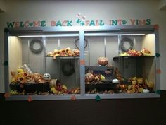 Thanksgiving school display | Fall or back to school display case that I put up in ... | Displays