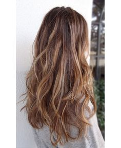 If you're a bit hesitant about dyeing your entire mane blonde, why not try some ashy blonde streaks. It's a no-fuss colour and oh-so-easy to...