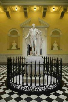 The Rotunda of the Virginia Capitol (Richmond) displays a life-size statue of George Washington, created by French artist Jean-Antoine Houdon. The statue is the only one that Washington actually posed for.