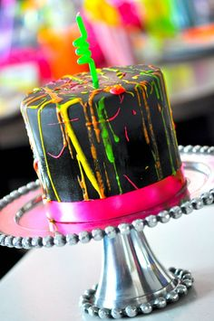 Neon Glow.... Great idea for the Sweet 16 cake I have to make!