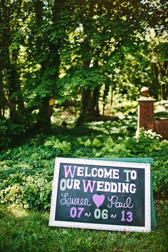 chalkboard welcome wedding sign http://www.weddingchicks.com/2013/09/18/rustic-country-wedding-3/