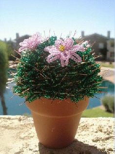 How to make cactus with beads. Free beading pattern.