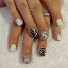 White gel nails silver glitter nail time