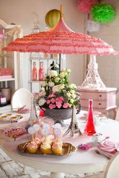 centerpiec, umbrella, paris theme, paris party, kid birthdays, birthday party decorations, kid birthday parties, parisian party, bridal showers