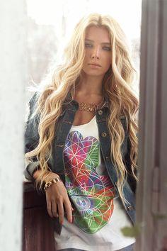 YOCASTALOVE ladi stylespringsumm, fashion, blond hair, magazin instagram, delaney magazin, list, long, curly hair, ekaterina normalnaya