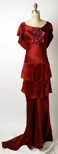 "Red silk evening dress by Mainbocher, French, ca. 1933. Label: ""Mainbocher, 12 Ave. George V, Paris"""