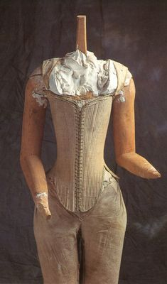 The Effigy Corset belonging to Queen Elizabeth I.    In 1995, the effigy of Queen Elizabeth residing in Westminster Abbey was unclothed for study and repair to the garments in which she was dressed.