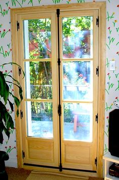 Glass doors with Cremone Bolt