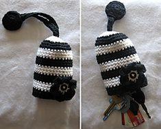 Nice key cozy....Would make cute stocking stuffers!