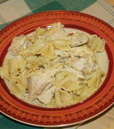 Slow Cooker Chicken Pesto With Bowtie Pasta ~ super easy and freezer friendly! | 5DollarDinners.com