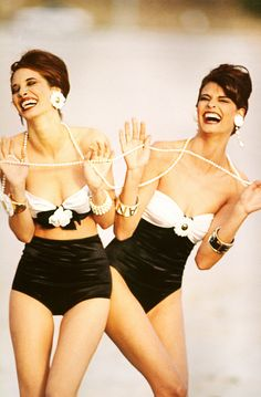 Christy & Linda by Patrick Demarchelier for Vogue, 1990 funny moments, fashion, chanel, christy turlington, linda evangelista, christi turlington, laughter, patrick demarchelier, eyes