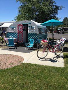 """Dottie"" the 1957 vintage canned ham camp trailer"