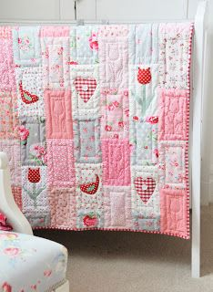Helen Philipps: Petunias, Bluebells and a Tulip Quilt