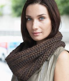 When you've just learned how to knit, turning your new skills into projects you can actually wear can be a daunting prospect. This easy knit cowl pattern will help to make that leap fast and easy.