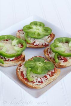 Easy Shamrock Pizza Recipe for St. Patrick's Day, Homemade Holiday Food Ideas, St Patricks Day Party Ideas #2014 #st #patricks www.foodideasrecipes.com