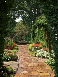 patio design, secret gardens, stone pathways, stone paths, garden paths