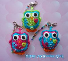 Keychain or a bag charm. Free pattern http://www.pinterest.com/pin/126734176986470605/