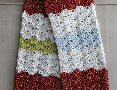 How to shell stitch crochet a  scarf. shell scarf, crocheted scarf, shell crochet, crochet tutorials, shell stitch crochet, crochet shell, stitch scarf, scarv, crochet scarfs