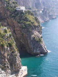 Seaside, Amalfi Coast, Italy  photo via stepanie