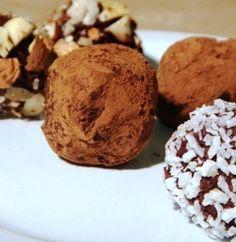 Raw paleo chocolate truffles