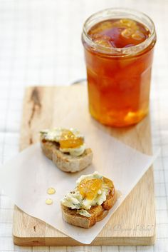Marmellata di pere ,vaniglia e vino cotto con ...gorgonzola