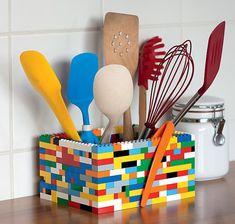 Porta-utensílios com peças de Lego