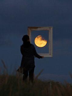 moon, photograph, picture this, la luna, art