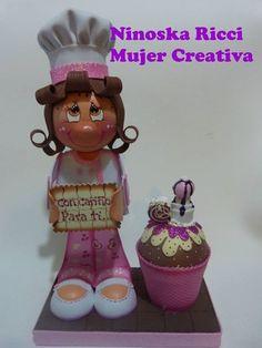 fofucha con cukcape de mujer creativa
