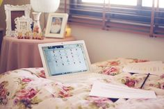 I love the floral bedspread.