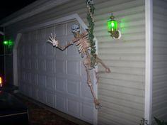 DIY Hanging skeleton