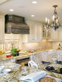 Beautifully detailed hood design for this small, eat-in kitchen...